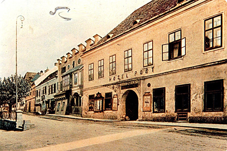 HotelPost1910